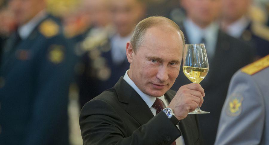 Лидеры «Единой России» приняли участие всборе подписей вподдержку Владимира Путина