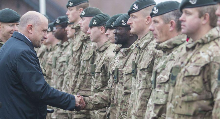 ВЭстонии торжественно открывают казарму для военных НАТО