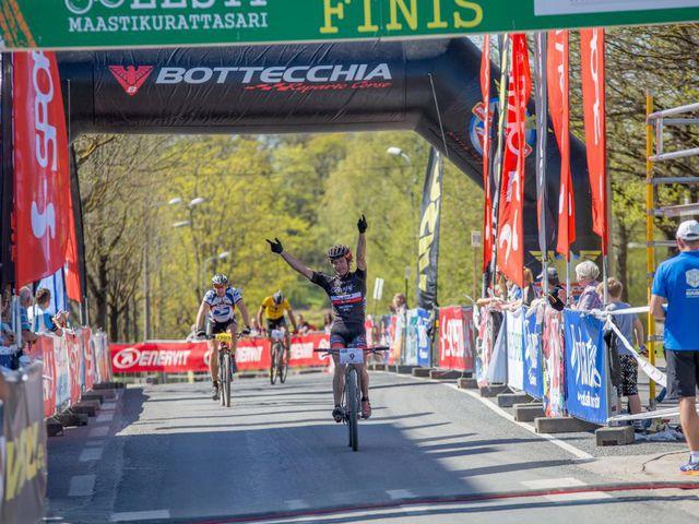| Mulgi rattamaratoni võitsid Alges Maasikmets ja Kelly Kalm - Postimees