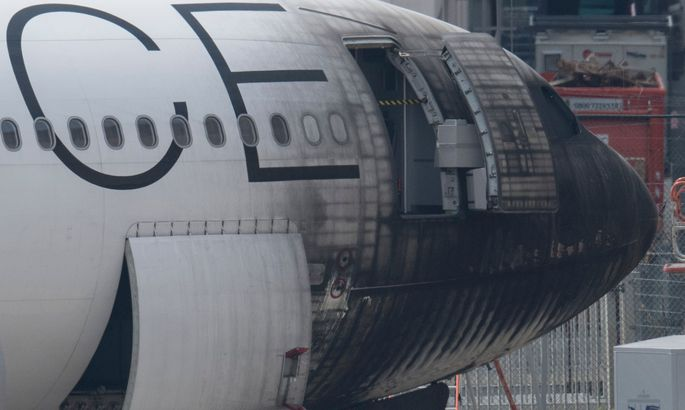ВГермании аэродромный тягач поджег самолет, есть пострадавшие