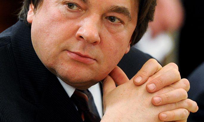 Константина Эрнста обязали платить штраф из-за Шурыгиной