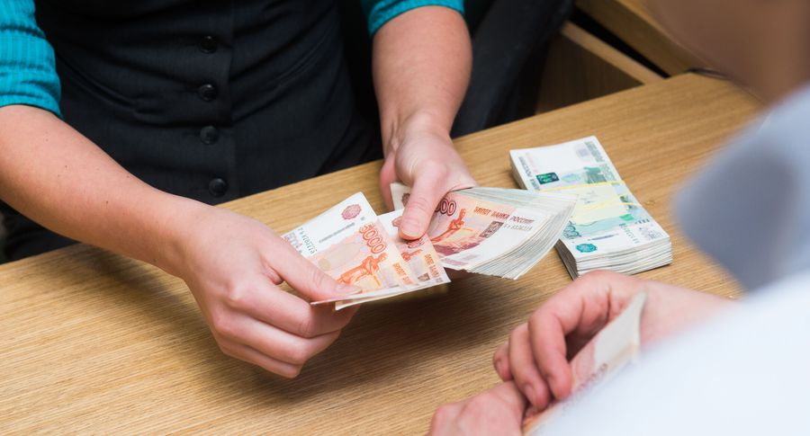 Руководитель челябинской МФО расплакался, побывав вдомах собственных должников