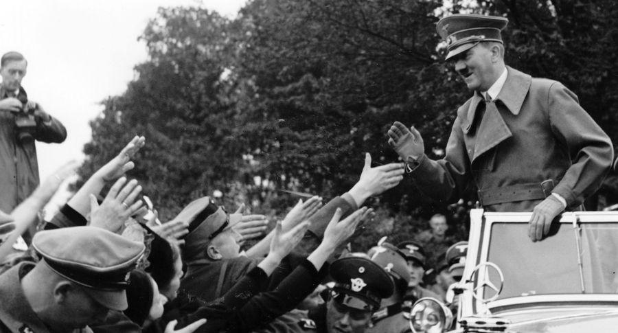 Торжественный Мерседес-Бенс Адольфа Гитлера выставили на реализацию