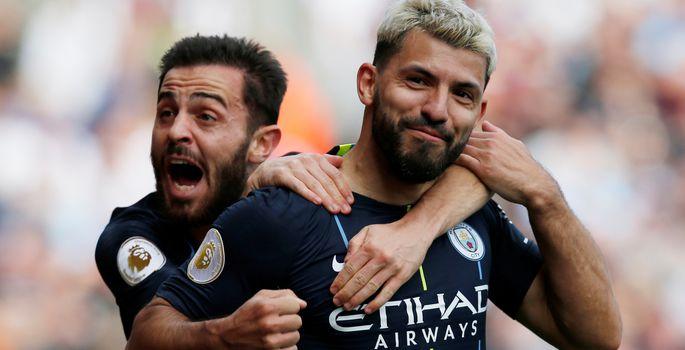 77cfcda2ace Sergio Agüero (paremal) ja Bernardo Silva. | FOTO: ANDREW YATES / REUTERS. Manchester  City ...