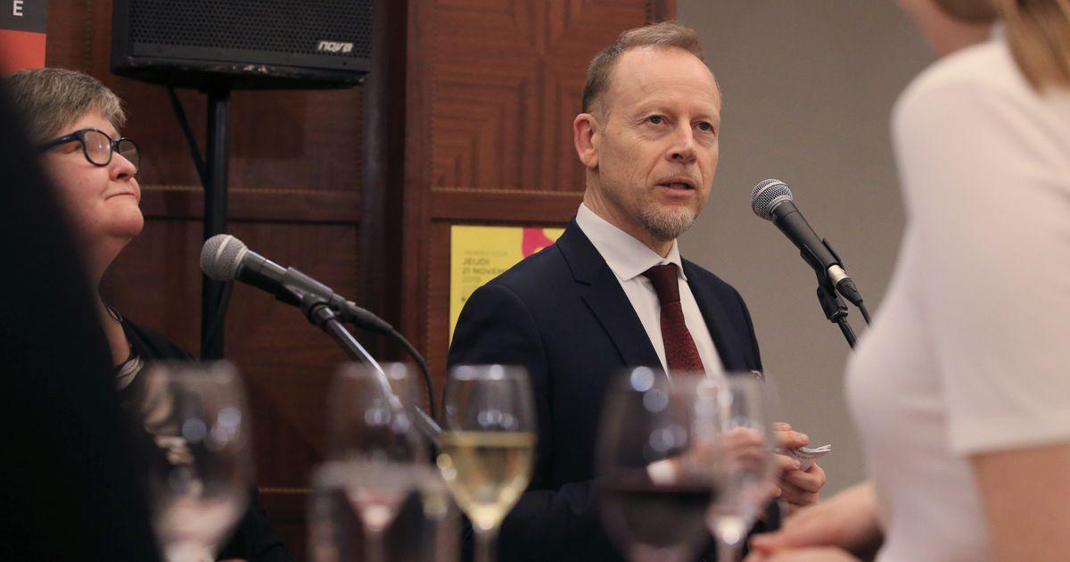Prantsuse suursaadik kutsus tartlaste esindajad uut veiniaastat tähistama