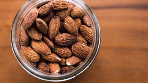 Pähklid aitavad hoida tervist.
