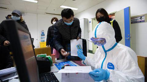 Hiina Wuhani provintsi tervishoiutöötajad ohtliku koroonaviirusega võitlemas