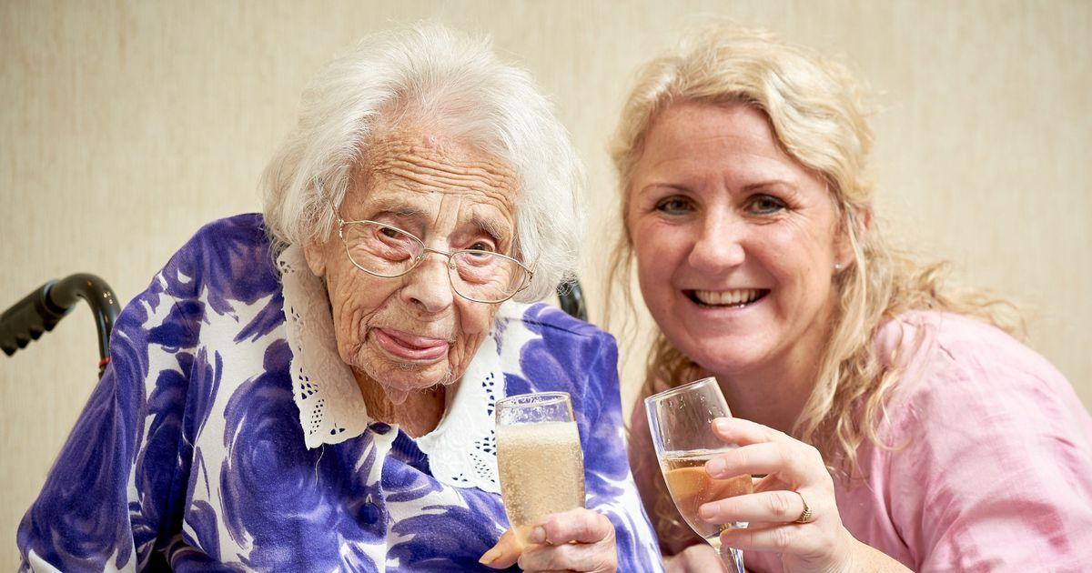 Galerii: 108-aastane proua pikaealisuse saladus on ootamatu, aga mõnus