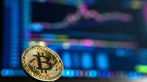 Bitcoin kerkis maagilise piiri künnisele