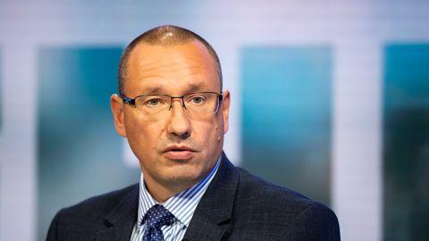 Arkadi Popov viitab nakkusjuhtumite rekordarvu kommenteerides paanika vältimise tähtsusele: «Üks number ei tähenda veel seda, et me oleme kaotanud. Sugugi mitte.»