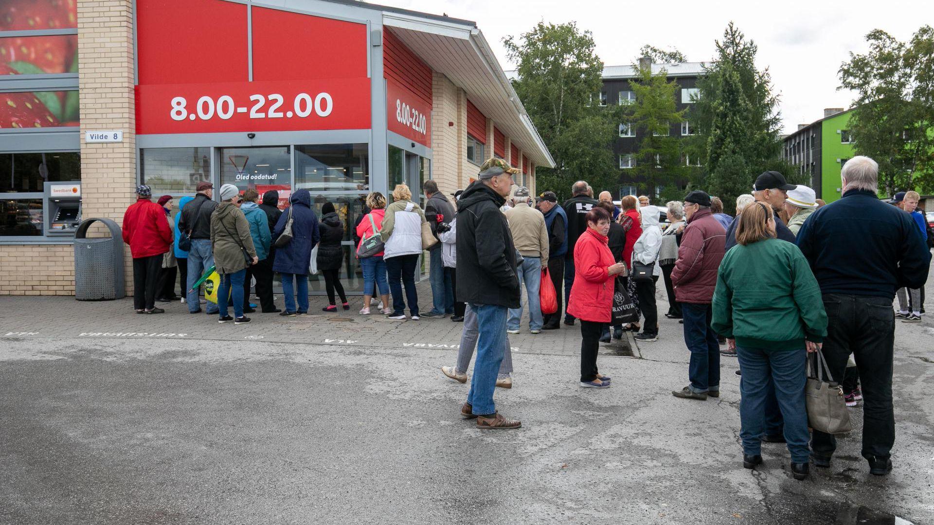 Aprillis toimus Rakvere kesklinnas toidukaupluse mini-Rimi põleng – kauplust räsisid nii tuli kui ka kustutusvesi. Tänaseks on taastamistööd lõppenud ja kauplus