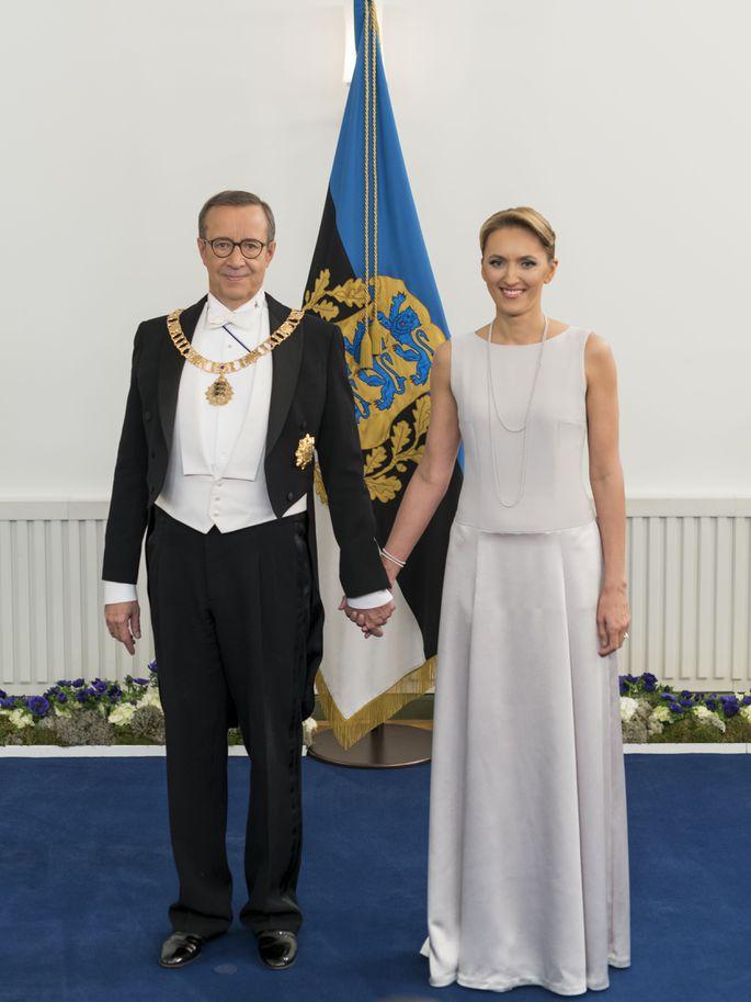 2ed2f244186 Galerii! Elu24 lemmikud kostüümid ja kleidid presidendi vastuvõtult ...