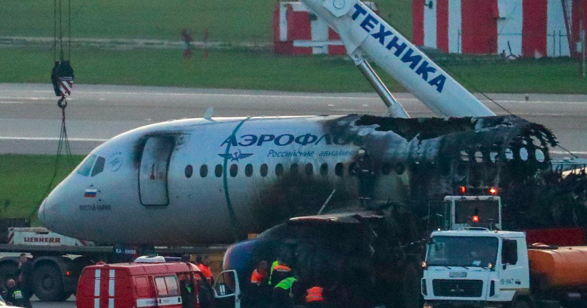 Видео: пассажиров сгоревшего в Шереметьево «суперджета