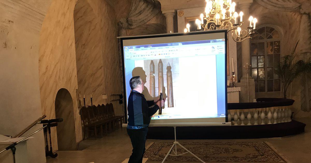 FOTOD: Kirikus näidati haruldasi kavandeid ja mürsku