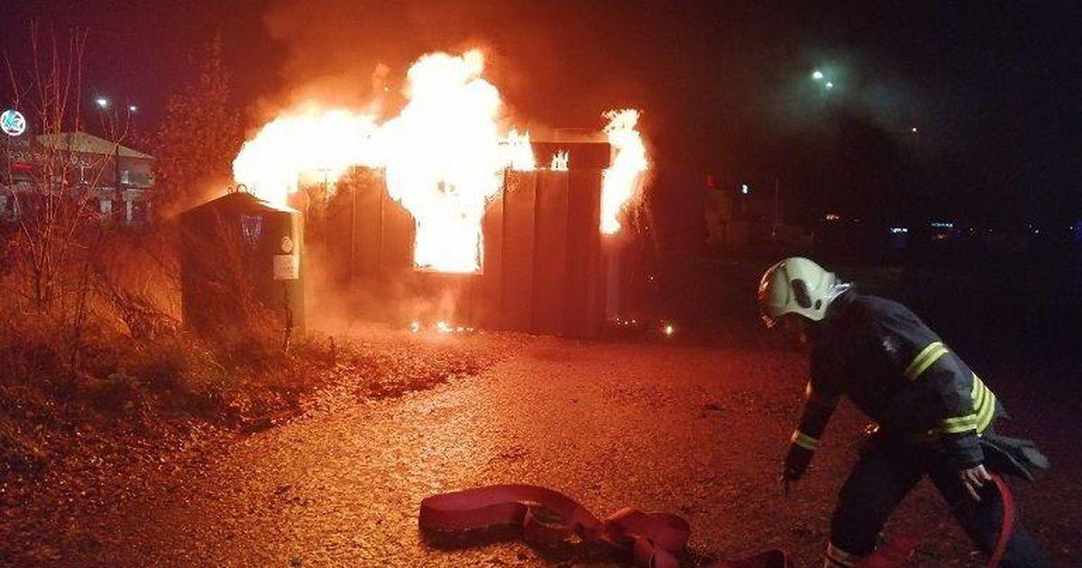Pildid: Kanpoli juures põles taarapunkt maani maha, kahtlustatakse süütamist