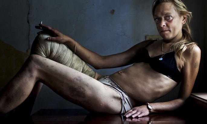 Сколько у проституток клиентов в неделю, как уговорить бальзаковскую женщину на секс