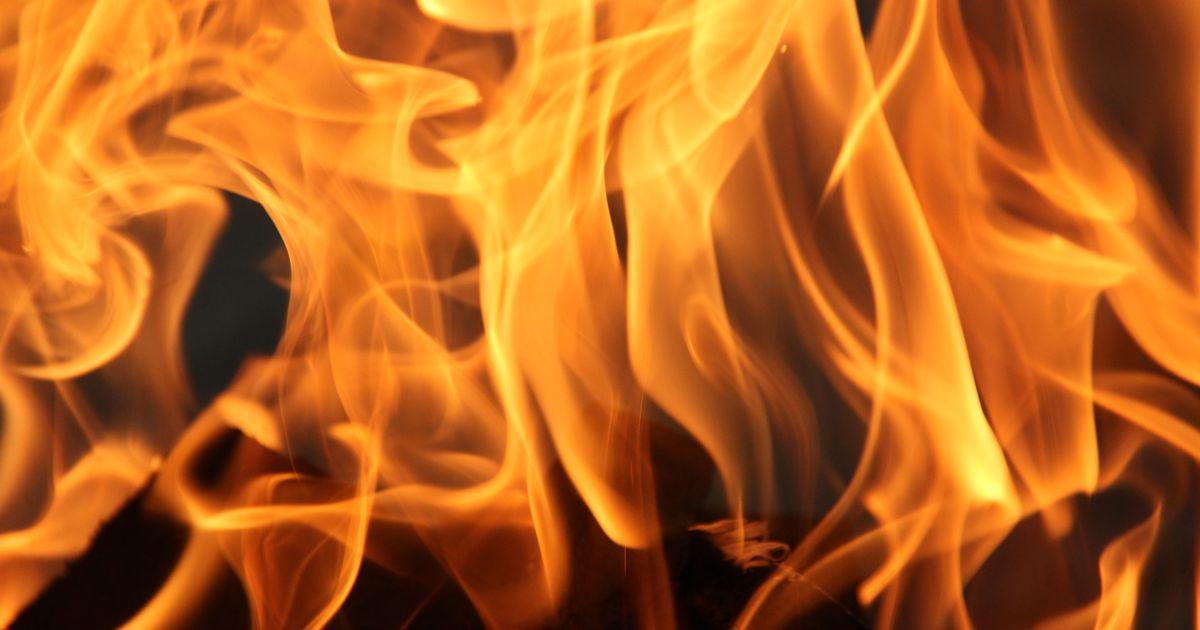 Muhus hukkus tulekahjus laps