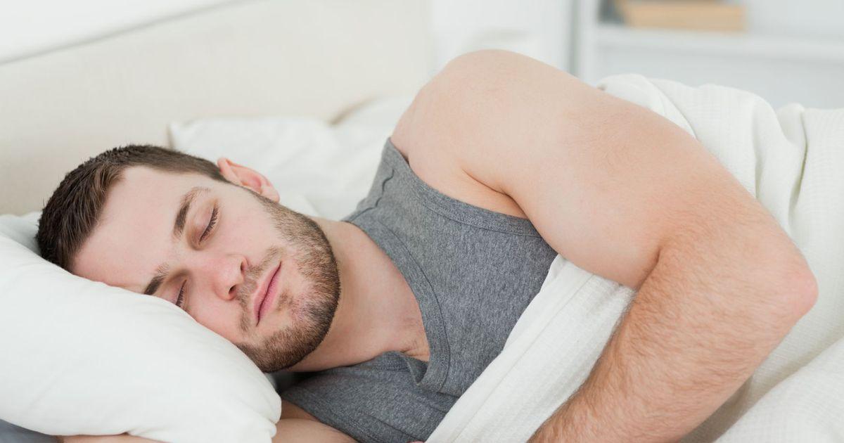 Фото спящего голова мужа, дрожащий оргазм эякулят