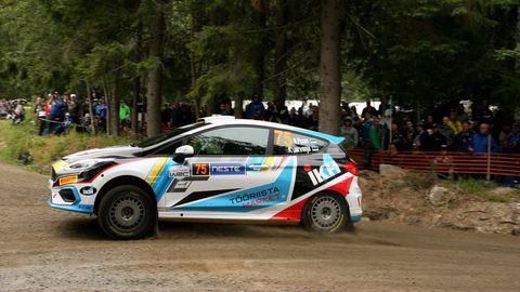 Roland Poom – Ken Järveoja lähevad Soome ralli reedesele võistluspäevale vastu JWRC kaheksandalt kohalt