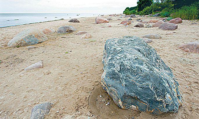 2a66bf28172 Aa rand Ristsõnaküsimuste kullafondi kuuluv rand asub Aa mõisast poolteist  kilomeetrit kirdes. Kahjuks varjutab mõninganekorratus suvitamismõnusid, ...