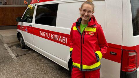 Arst-resident Kelly Hiibus tõdeb, et iga erakorralise meditsiini arst peaks töötama kiirabis.