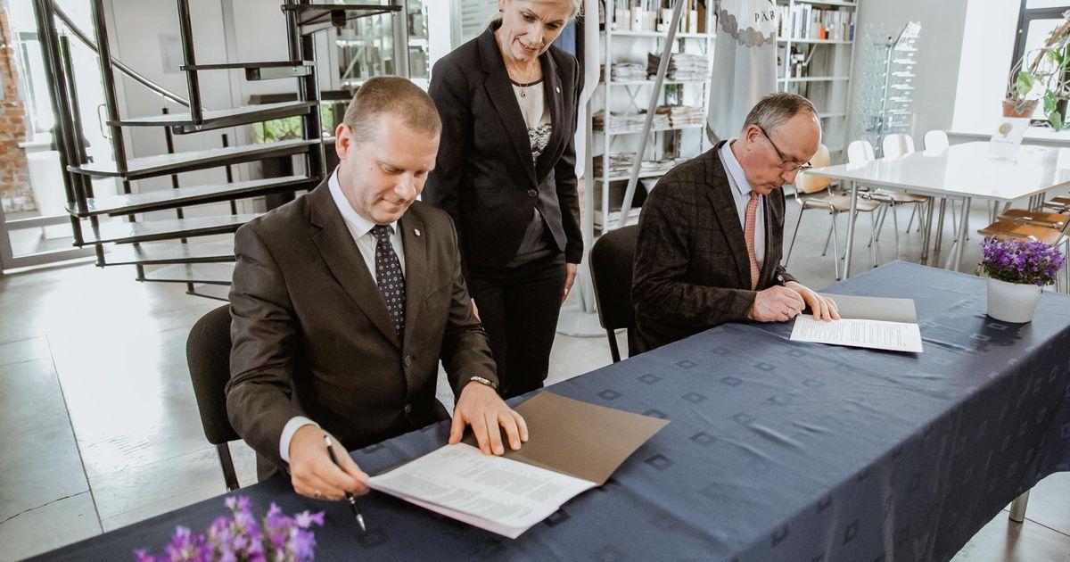 Galerii: Pärnu meer ja Tartu ülikooli rektor sõlmisid ajaloolise lepingu