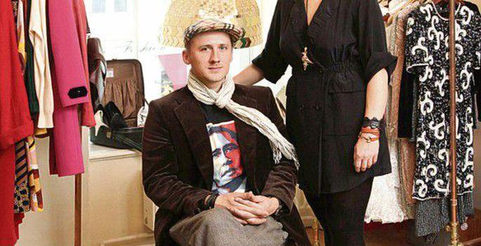 fc7f6cb6a98 Üks poe sopikestest: Kirsti Saleh – Chaneli 90ndate saapad ja Philip Limi  kleit New Yorgist, Lebitzi kaelakee ja Boucheroni kõrvarõngad Barcelonast,  ...