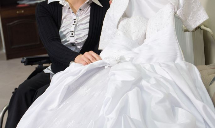 4ce3c423200 Pulmakleitide salongis on võimalus valida oma lemmikkleit paarikümne kleidi  hulgast, mida saab siis osta või laenutada. Valgalanna Veronika Šeršunovitš  ...