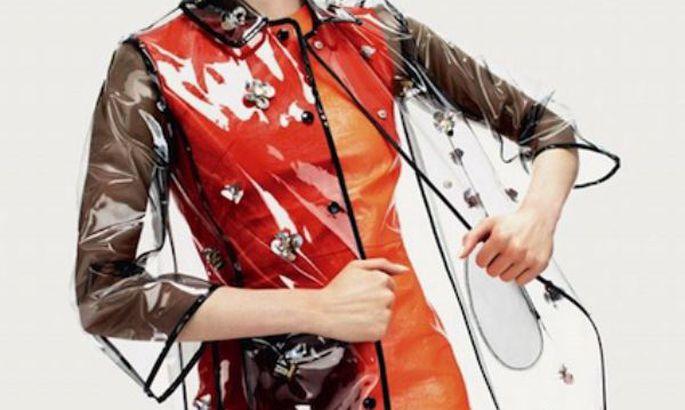 Самый модный дождевик нынешнего года – прозрачный 400d1355c7ce3