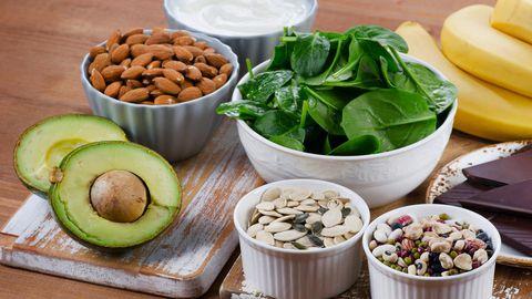 Magneesiumi leidub nii taimsetes kui ka loomsetes toiduainetes.