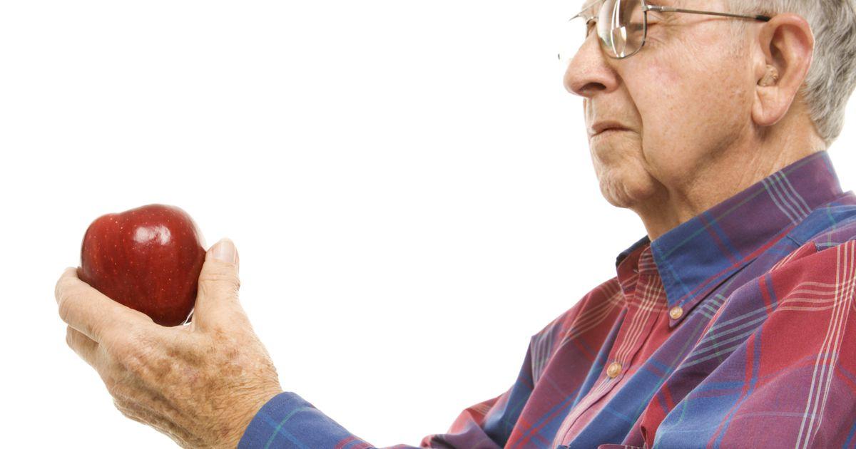 пожилой мужчина продает ягоды фото картинки доказывают, что правильно