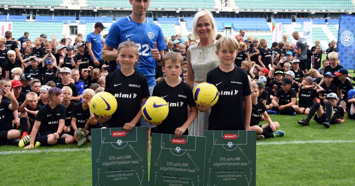 4158e6afc0e Üle 600 osalejaga jalgpallilaagrites selgusid stipendiumite võitjad ...