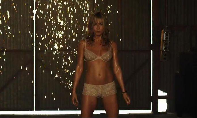 Jennifer Aniston Alasti
