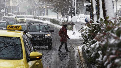 Tugev lumesadu ja tuul tekitasid Kreeka mitmes piirkonnas liikluskaose
